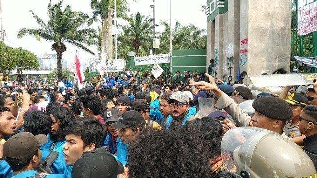 Image result for demo mahasiswa ruu kpk