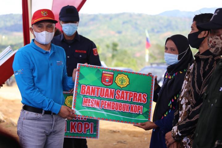 Sekolah Kopi Diresmikan Di Lampung Barat Parosil Jangan Hanya Simbolis